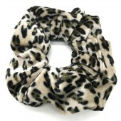 S-K1.4 H305-021A Velvet Scunchie with Animal Print Green
